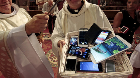 Confessing your sins? There's an app for that! Catholic Church launches 'Sindr'
