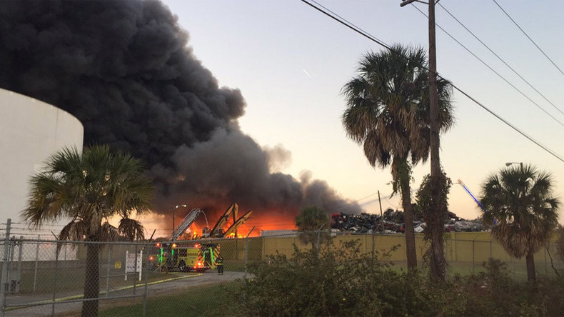 Large scrap metal fire rages at Florida recycling plant (PHOTOS, VIDEOS)