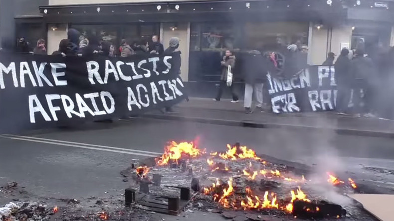 Clashes erupt as PEGIDA, pro-immigration supporters hold rival rallies in Denmark (VIDEO)
