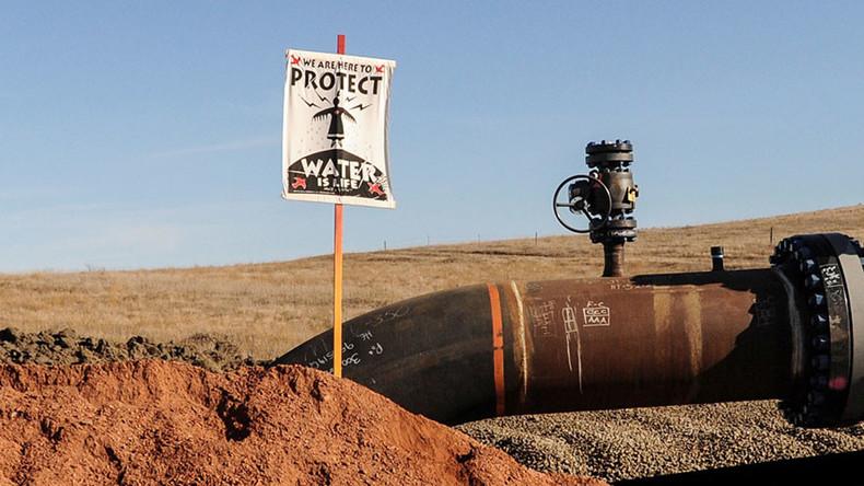 North Dakota pipeline leak may amount to 100 barrels of oil