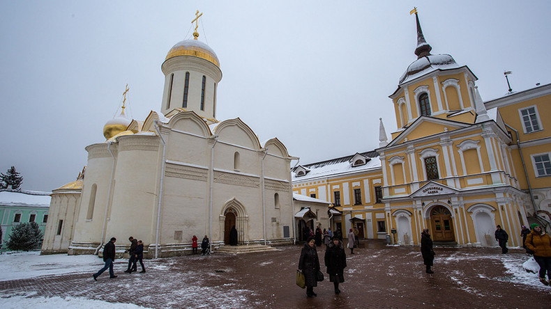 Moscow parents complain about 'Orthodox Christian propaganda' in school textbooks