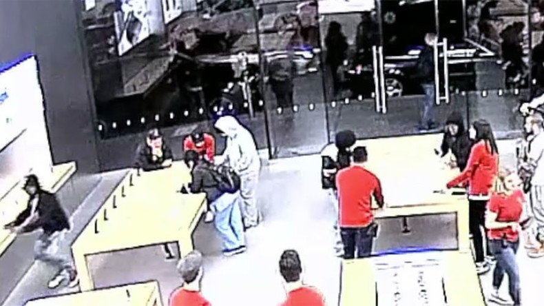 Gone in 12 seconds: Apple thieves caught on video in daring heists