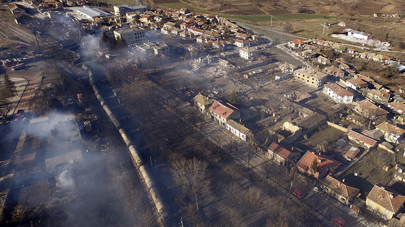 7 killed, full evacuation in Bulgarian village as cargo train derails & explodes