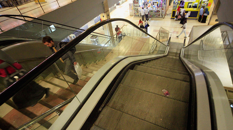 7 people injured tumbling down New York escalator like dominos