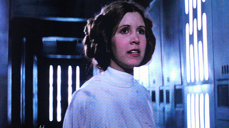 Star Wars actress Carrie Fisher suffers heart attack aboard transatlantic flight