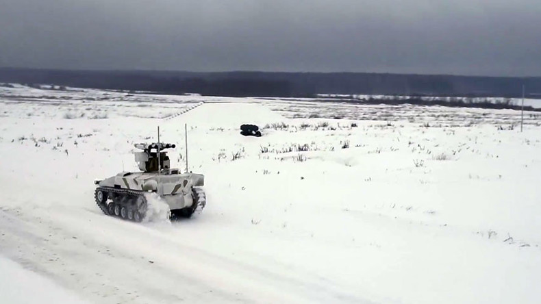 Russian combat robots conquer snowy battlefield in drill outside Moscow (VIDEO)