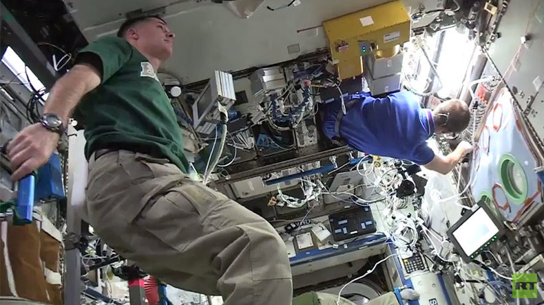 Mannequin Challenge difficulty level: Space (VIDEO)