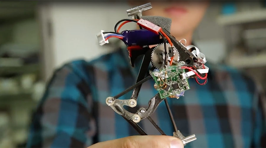 1-legged robot springs off barriers parkour-style (VIDEO)