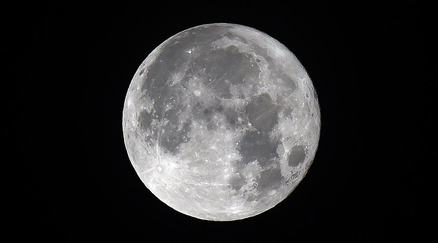 'Wolf Moon' opens 2018 – but are supermoons really so super? (PHOTOS)