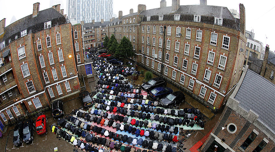 Brits greatly overestimate number of Muslims in the country, poll shows