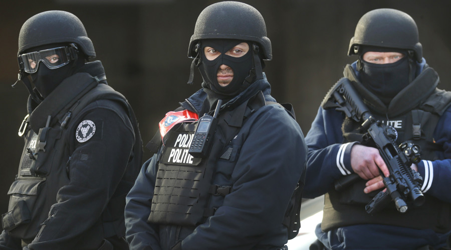 Brussels police carry out security operation in Schaerbeek