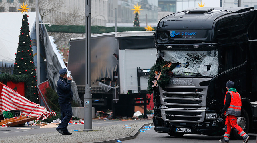Pakistani refugee named as Berlin attack suspect by minister, police not sure they agree