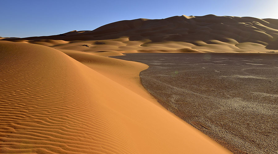 Sahara's red sands covered by snow (VIDEO, PHOTOS)