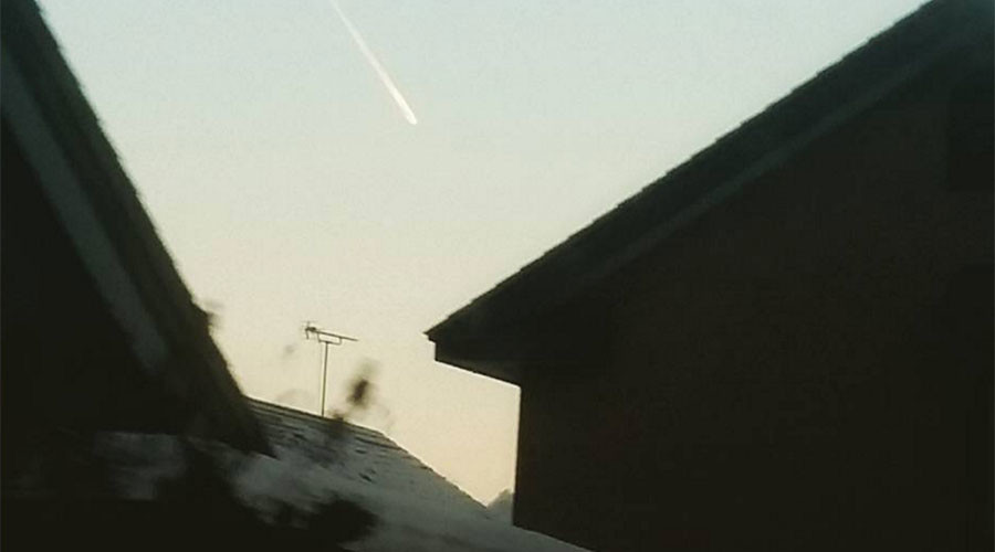 Meteorite or falling plane? Social media in Japan puzzled by mysterious fireball in the sky (IMAGES)