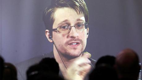 Edward Snowden © Marcos Brindicci