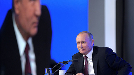 It's Putin the peacemaker at annual Moscow press conference