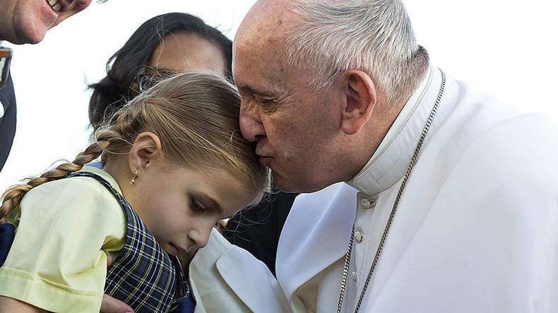 Pope Francis proclaims 'zero tolerance' to child molesters