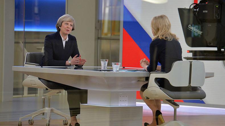 Theresa May hints at 'hard Brexit' outside single market