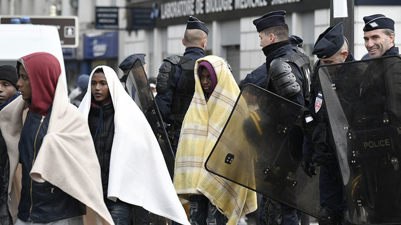 Police stealing migrants' blankets in below-freezing Paris – MSF