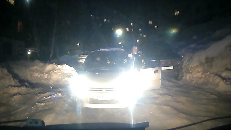 21yo emergency patient dies in Russia after car blocks road to responding ambulance (VIDEO)
