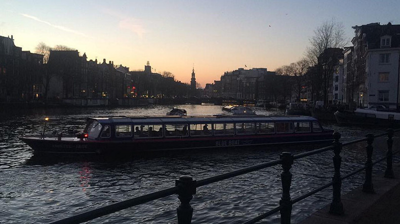Red lights out: Amsterdam power outage causes commuter chaos