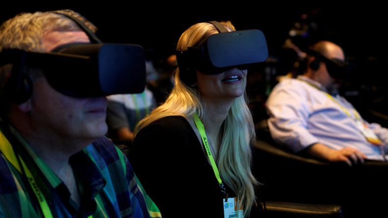 Facebook facing potential $2bn payout as Zuckerberg testifies in VR theft trial