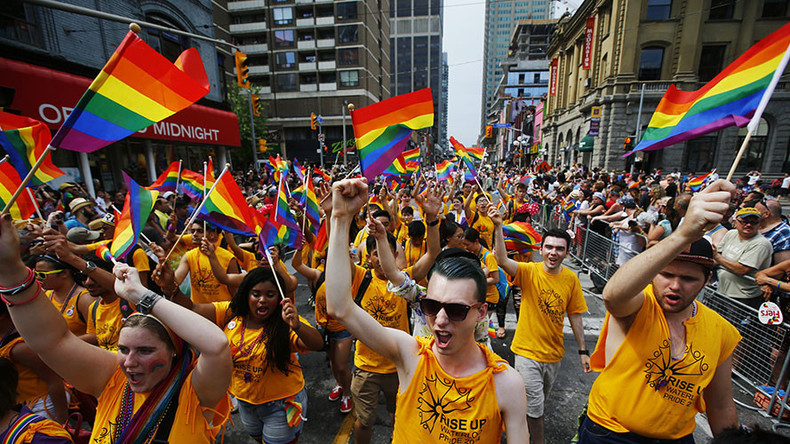 Pride Toronto votes to ban police from this year's parade
