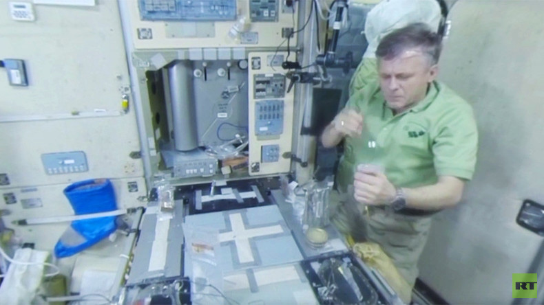RT Space 360: Tricky challenge of cooking & eating breakfast aboard ISS