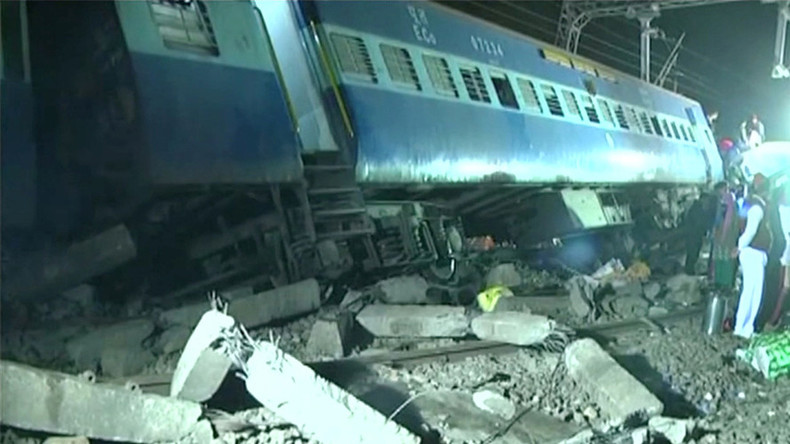 At least 39 killed, dozens injured after train derails in India