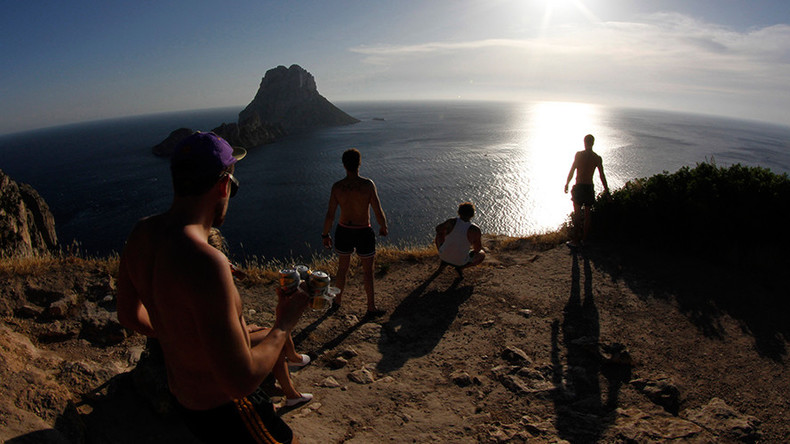 Spain focuses on lucrative gay tourism market
