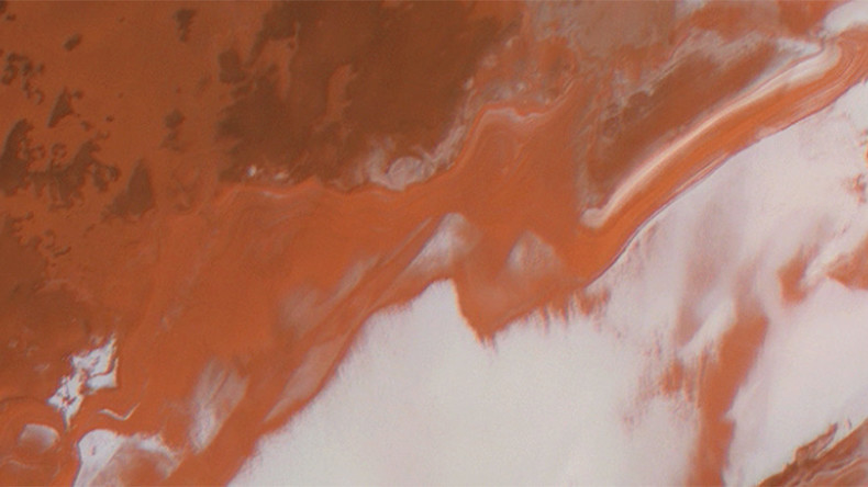 Red Planet's dazzling ESA images reveal dramatic frost blanket (TIMELAPSE)