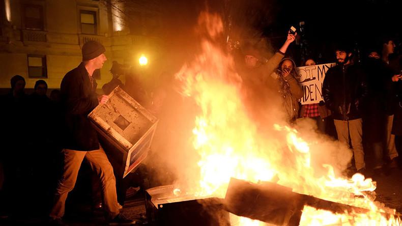 'Unacceptable in democracy!' IFJ president slams US police for arresting journalists in DC