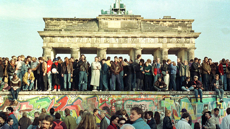 'Mr President, don't build this wall!': Berlin's mayor urges Trump to learn from history