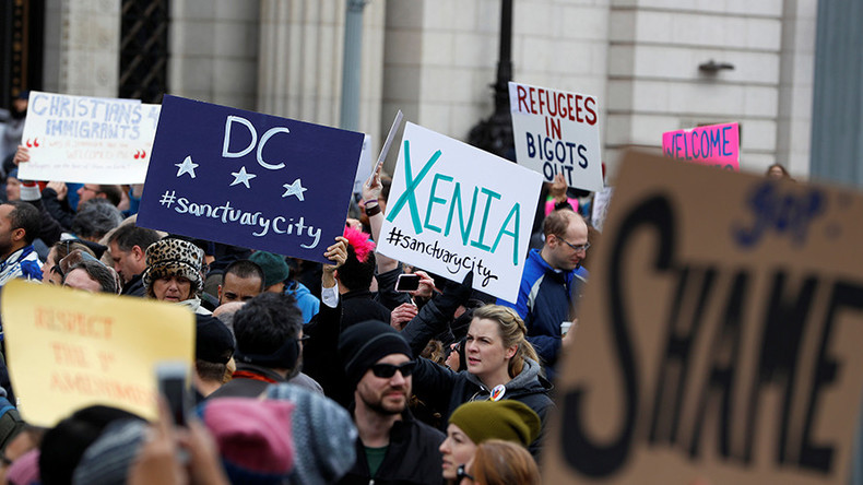 More US judges rule to restrict Trump 'Muslim ban' travel order