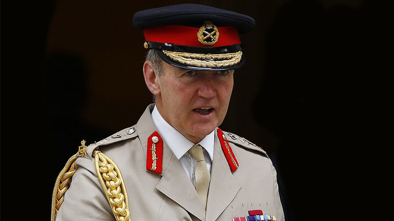 top british general given 100k for home upkeep while soldiers live