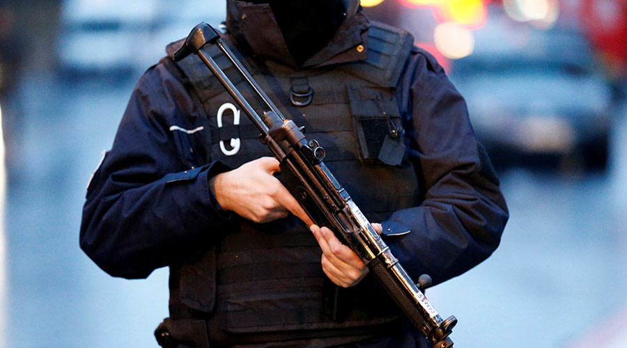2 injured after gunmen attack restaurant in Istanbul – media