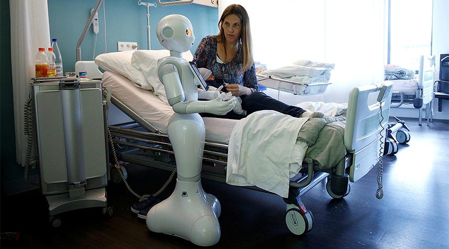 Robot kill switches & legal status: MEPs endorse AI proposal