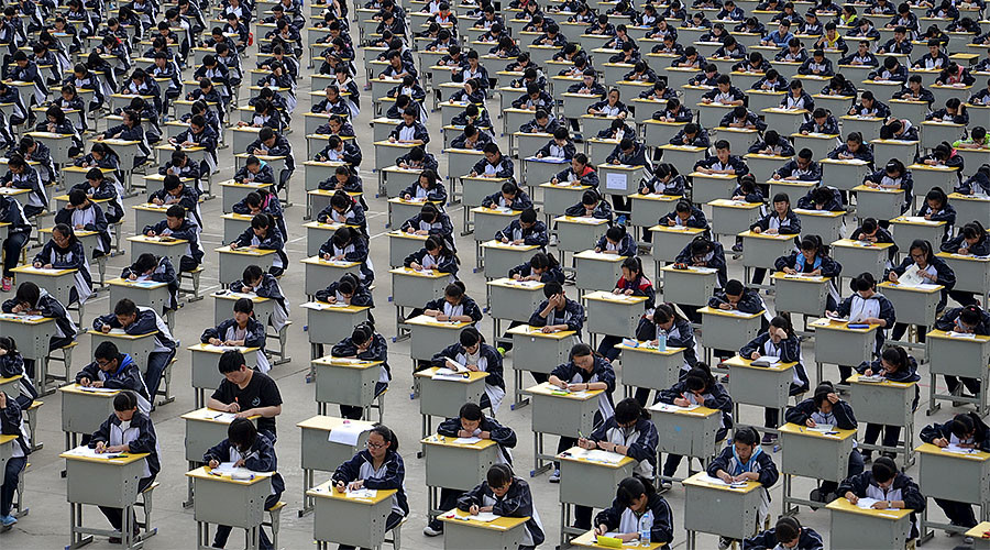 Making the grade: Chinese school lets failing students borrow points from 'mark bank'