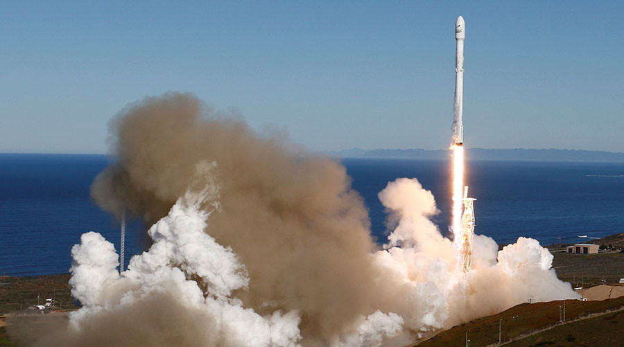 SpaceX launch as filmed from 8,500ft above ground (VIDEOS)
