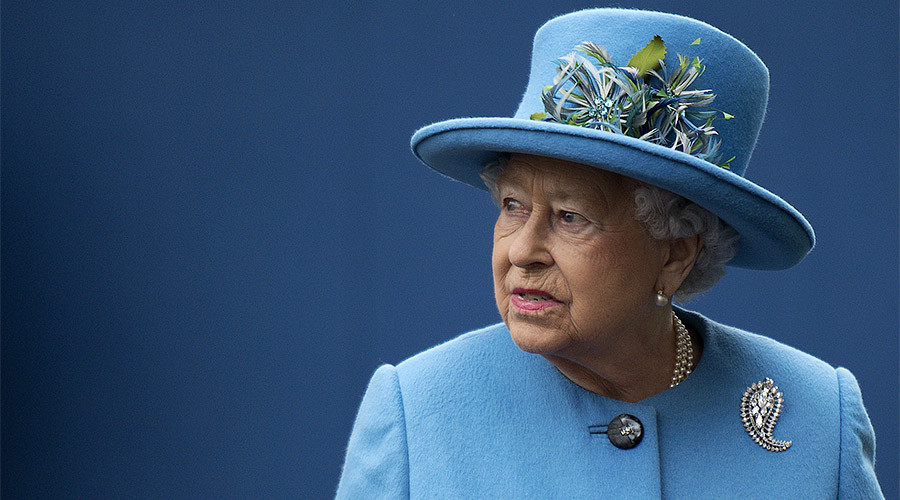 Trump's state visit puts Queen in 'very difficult position' – retired diplomat