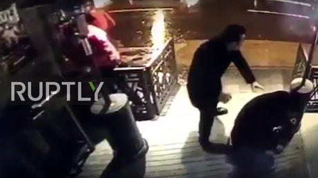 Istanbul nightclub gunman shooting at people caught on CCTV (GRAPHIC VIDEO)