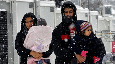Germany plans to start sending refugees back to Greece in March