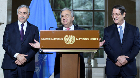 UN Secretary-General Antonio Guterres (C) speaks next to Greek Cypriot President Nicos Anastasiades (R) and Turkish Cypriot leader Mustafa Akinci in Geneva, Switzerland, January 12, 2017 © Laurent Gillieron