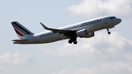 Midair smash involving French passenger jet narrowly avoided on New Year's Day