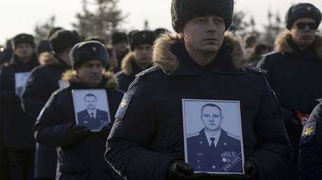 Servicemen take part in a memorial ceremony during the funeral of the victims of the Russian Defence Ministry TU-154 plane crash at a military ceremony outside Moscow, Russia, January 16, 2017. © Maxim Shemetov