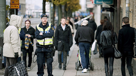 Leading Swedish mall turned into 'no-go zone' by migrant teen gangs – report