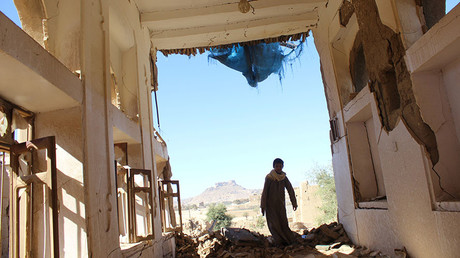 A boy walks inside a house destroyed by a recent Saudi-led air strike in the northwestern city of Saada, Yemen January 4, 2017. © Naif Rahma