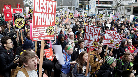 Anti-Trump Inauguration Day protests break out across US, around the globe (VIDEOS, PHOTOS)