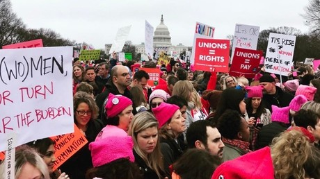 Pink 'pussy hat' march in Washington for women's rights after Trump inauguration (PHOTOS)