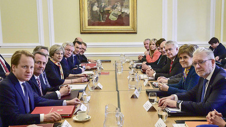 Britain's Prime Minister Theresa May chairs a Joint Ministerial Committee attended by Scotland's First Minister Nicola Sturgeon (3rd R) and Wales' First Minister Carwyn Jones (5th R) at Cardiff City Hall, Wales, January 30, 2017. © Ben Birchall / Pool